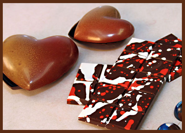 Chocolate decorations with cocoa butter