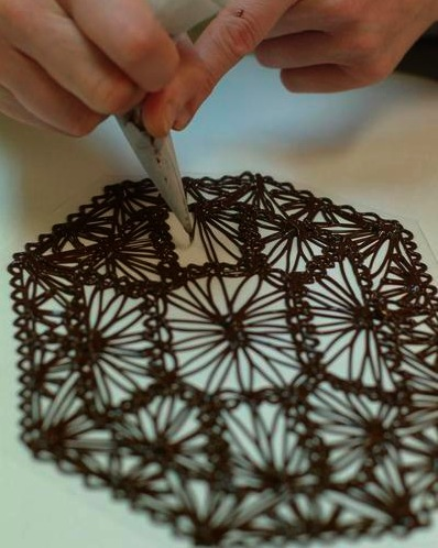 Make a chocolate lace cake decoration fit for a queen for Chocolate lace template